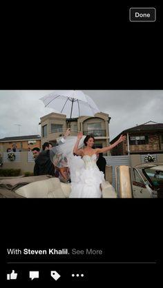 Happy bride... Despite the rain ☔️