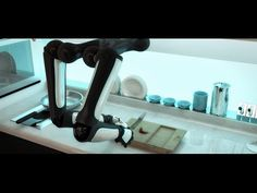 World's first robot chef wants to make you crab bisque (Wired UK)