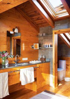En la buhardilla, revestido de madera · ElMueble.com · Cocinas y baños