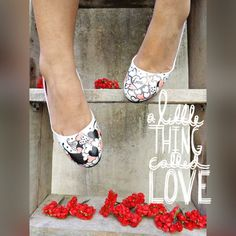 Handpainted and crafted shoes by Zubiya. Quirky, coloured, artsy shoes.  Shop online today at  Www.zubiya.com