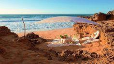 Пикник на берегу океана.