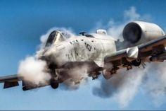 The Thunderbolt II is a single-seat, twin turbofan engine, straight wing jet aircraft developed by Fairchild-Republic for the United States Air Force (USAF) Military Jets, Military Aircraft, Fighter Aircraft, Fighter Jets, Ac 130, Photo Avion, Fuel Truck, Close Air Support, Jet Plane
