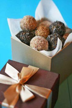 cookmegreek: Karitháta - Super healthy walnut, honey and oat treats Greek Sweets, Greek Desserts, Greek Recipes, Greek Cooking, Greek Dishes, Gluten Free Sweets, Mediterranean Dishes, Exotic Food, Yummy Food