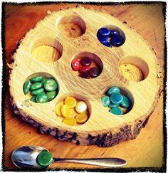 Loose Parts Sorting Tray :: from Explorations Early Learning Reggio Classroom, Outdoor Classroom, Preschool Classroom, In Kindergarten, Classroom Design, Classroom Ideas, Play Based Learning, Early Learning, Reggio Emilia