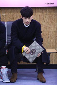 Aka Songs, Bobby, Kim Jinhwan, Ikon Wallpaper, Fandom, Best Kpop, Fans Cafe, Meme Faces, Airport Style
