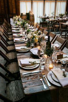 A gorgeous rustic wedding reception at Brooklyn Winery! #Swoon | Kelly Williams, Photographer
