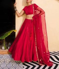 Party Wear Indian Dresses, Indian Gowns Dresses, Indian Bridal Outfits, Dress Indian Style, Indian Fashion Dresses, Indian Wear, Frock Fashion, Evening Dresses, Women's Fashion