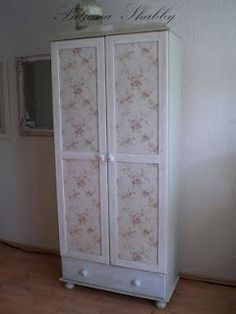 You will need to use Google to translate this to english. Many different shabby chic projects on this blog