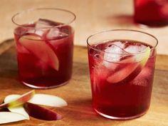 American Pie Cocktail recipe from Guy Fieri via Food Network Whisky Cocktail, Cocktail Drinks, Cocktail Recipes, Alcoholic Drinks, Drink Recipes, Cocktail Ideas, Chef Recipes, Thanksgiving Cocktails, Fall Cocktails
