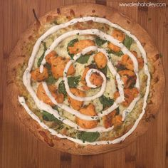 Buffalo Chicken Pizza  - Over 20 clean eating recipes, family friendly. Clean Eating E-book // Alesha Haley #cleaneating #recipes