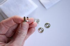 Magnetic Snap Tutorial - Noodlehead, DIY instructions for inserting a pronged magnetic snap on a bag, tote, or purse.