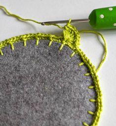 12 oyalamak için son sıraya başlama Crochet Quilt, Knit Crochet, Crochet Designs, Crochet Patterns, Fabric Flowers, Doilies, Diy Design, Crochet Earrings, Embroidery