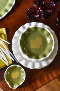 Celebrate Thanksgiving with warm tones to create a cozy, festive feel. Thanksgiving Table Settings, Thanksgiving Recipes, Coton Colors, Palak Paneer, Dinnerware, Festive, Cozy, Warm, Meals