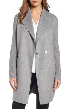 Best Fall Outfits :      Picture    Description  Minimalist Gray Coat     https://looks.tn/season/fall/best-fall-outfits-minimalist-gray-coat-2/