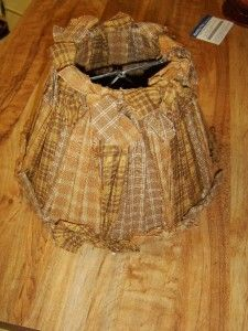 """I so want to make a """"raggy lampshade"""". Simply tie lengths of rags to a lampshade frame ... could not be easier!"""