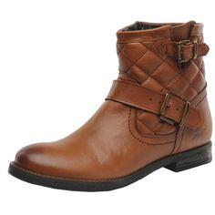 Süße #Stiefeletten in #Braun von #MUSTANG #SHOES. Mit dem strukturierten #Material am Schaft und den coolen #Riemen wird der Schuh zum absoluten #Hingucker. ♥ ab 111,70 €