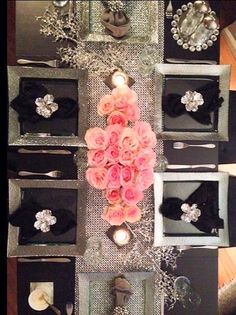 @jason_marie_nyc snapped this photo of their holiday table, featuring our Luxe Dinnerware & Carolina Napkin Rings.