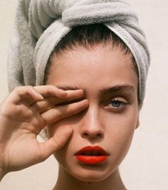 Fresh, clean skin with a dash of red lipstick - one of our favorite makeup lo . - Fresh, clean skin with a dash of red lipstick – one of our favorite makeup looks … - Makeup Inspo, Makeup Inspiration, Beauty Makeup, Hair Makeup, Hair Beauty, Makeup Ideas, Wedding Inspiration, Makeup Lipstick, Fashion Inspiration