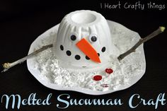 Use a recycled plastic fruit cup to make this Melted Snowman Craft. Kids will love the textured paint and decorating their snowman. From I Heart Crafty Things by britney Cup Crafts, Snowman Crafts, Snowman Party, Santa Crafts, Snowman Wreath, Noel Christmas, Winter Christmas, Christmas Ideas, Winter Holidays