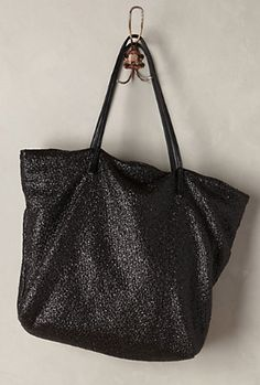simple and elegant tote  http://rstyle.me/n/re9d2pdpe