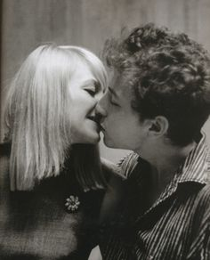 Jim Marshall - Bob Dylan and Mary Travers (Peter, Paul and Mary), 1963 // omg WHAT. my heart just dropped.