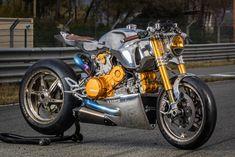 Bien que discrète dans ses premières années, la maison Ortolani confectionne des motos personnalisées depuis 2009. Les trois passionnés de deux-roues qui y sont à la tête, ont désormais décidé d'afficher leurs réalisations aux yeux de tous, et nous offrent un spectacle magnifique avec la Ducati 1199 Polished