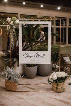 16 Amazing Wedding Photo Booth Backdrops for 2019 Trends Polaroid Hochzeit Photo Booth Ideen Polaroid Photo Booths, Photos Booth, Polaroid Frame, Polaroid Photos, Diy Polaroid, Photoboth Mariage, Diy Wedding Photo Booth, Diy Photo Booth Backdrop, Frame For Photo Booth