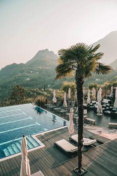 So fühlt sich Frieden an – zu Besuch im schönsten Hotel am Gardasee: Das vielleicht schönste Hotel der Welt? Das Lefay Resort & Spa am Gardasee. Herrliche Natur und der tollste Spa-Bereich! Wir nehmen euch auf www.lilies-diary.com mit in ein Wellness-Wochenende voller intensiver Momente …