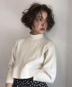 Short Hair Tomboy, Short Grunge Hair, Girl Short Hair, Short Curly Hair, Short Hair Cuts, Curly Hair Styles, Short Haircut For Girls, 90s Grunge Hair, Asian Short Hair