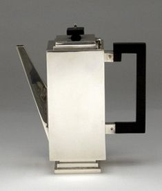 Coffee pot of English Art Deco Sterling Silver Coffee Service on Tray, Charles Boyton, London, 1932/33