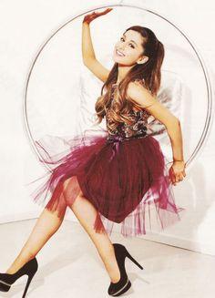 d63e42c56e0a4b687038b81a53eef2a8.jpg 500×693 pixels Ariana Grande Fondo, Absolutely Gorgeous, She Was Beautiful, Arana Grande, Demi Lovato, Divas, Sam E Cat, Sofia Carson, Snl