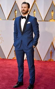 2017 academy awards chris evans blue tuxedo with black lapel and black bow tie with white dress shirt and white pocket square