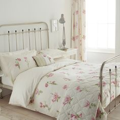 ACHICA   Sanderson Country Flowers Duvet Cover Set, Pink