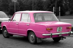 Lada 2101 in pink