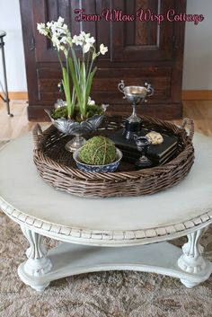 Vintage Home Decor For More Traditional Interior Design – BusyAtHome Coffee Table Vignettes, Coffee Table Styling, Round Coffee Table, Decorating Coffee Tables, French Country Coffee Table, French Country Rug, French Country Decorating, French Style, Vintage Home Decor