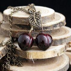 Collier cerise bigarreau couleur-lavande bijoux gourmands fantaisie polymère fimo cernit sculpey