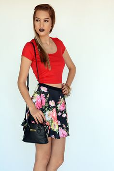 MINI FALDA BLACK FLOWERS | ATENEA BOUTIQUE