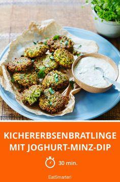 Kichererbsenbratlinge mit Joghurt-Minz-Dip - smarter - Zeit: 30 Min. | eatsmarter.de