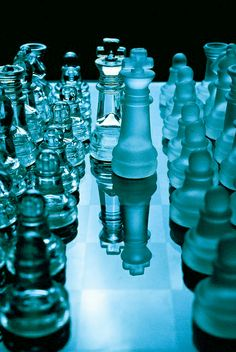 Blue Chess Set Different and Nice. Blue Is The Colour, Blue Colour Things, Light Blue Aesthetic, Aesthetic Colors, Image Bleu, Pink Lila, Everything Is Blue, Himmelblau, Dark Blue