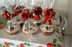 Bolo de Natal Christmas Cookies Gift, Christmas Goodies, Christmas Baking, Christmas Desserts, Mini Dessert Recipes, Mini Desserts, Delicious Desserts, Cookie Gifts, Food Gifts