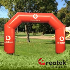 Advertising inflatable event arch with custom digital print. Europe's leading manufacturer of inflatable advertising REATEK. Logo Shapes, Bouncy Castle, Indoor Playground, Central Europe, Grand Opening, Event Decor, Digital Prints, Arch, Advertising