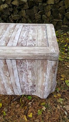 📌 Fabric Table Covers that look like WOOD!  Washable and durable fabric! Perfect for rustic weddings, vendor events, craft shows and farmer's markets! Turn your ugly plastic folding table into a beautiful wood crate! 😊