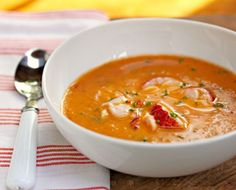 From Soup Chick: Chevre Bisque with Tomato Basil and Lobster Garnish! A lovely and delicate soup, this is a chevre bisque with tomato, basil, and an optional lobster garnish. Lobster Recipes, Seafood Recipes, Soup Recipes, Recipies, Lobster Soup, Lobster Bisque, Food 52, Soup And Salad, The Fresh
