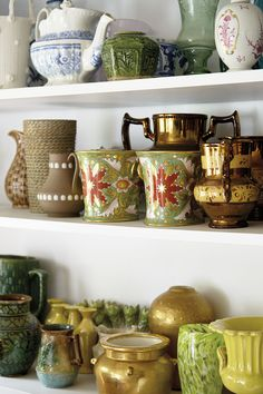 Vintage China for Planters along with Vintage Planters ~ Mary Wald's Place - Why Bunny Williams' Husband Hates Me Vintage Thrift Stores, Sweet Home, Desk In Living Room, Classic Living Room, Kitchens And Bedrooms, Healthy Living Quotes, Vintage Planters, Ballard Designs, Vintage China