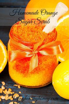 Homemade Orange Sugar Scrub helps to keep your skin soft and silky. The delicious orange smell is heavenly! Body Scrub Recipe, Sugar Scrub Recipe, Diy Body Scrub, Diy Scrub, Hand Scrub, Sugar Scrub For Face, Sugar Scrub Homemade, Sugar Scrubs, Homemade Soaps