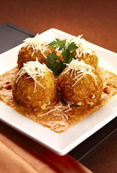 Cheesecake factory fried mac and cheese balls. Before I was vegan I wanted so badly to recreate these at home, now that I am vegan I need to find THEIR recipe and veganize it. Mission.