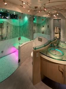 trendsideas.com: architecture, kitchen and bathroom design: Watery embrace – curvaceous powder room
