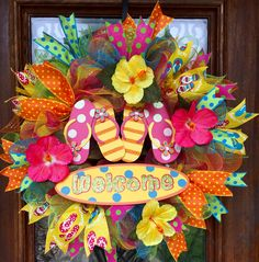 Bright and colorful summer flip-flop wreath with hibiscus flowers www.facebook.com/southernsass