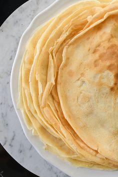 Zapiekane naleśniki z lemon curd, śmietanką kokosową i chipsami z kokosa. Śniadanie jak na egzotycznych wyspach!   SMYKWKUCHNI Lemon Curd, Ethnic Recipes, Food, Essen, Meals, Yemek, Eten