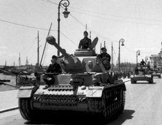 Panzer IV column on street  #worldwar2 #tanks